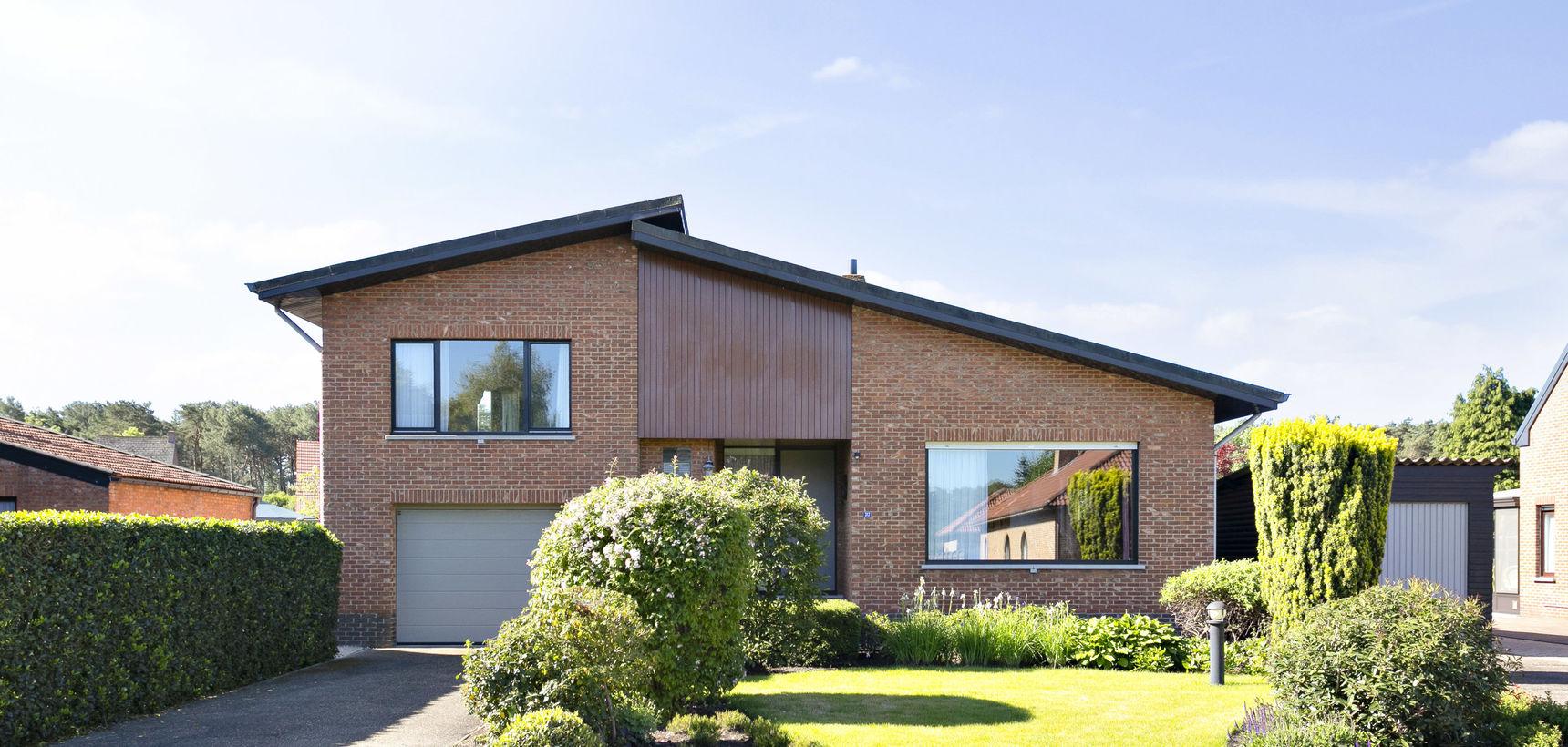 Goed onderhouden ruim ingedeelde woning op 872 m²