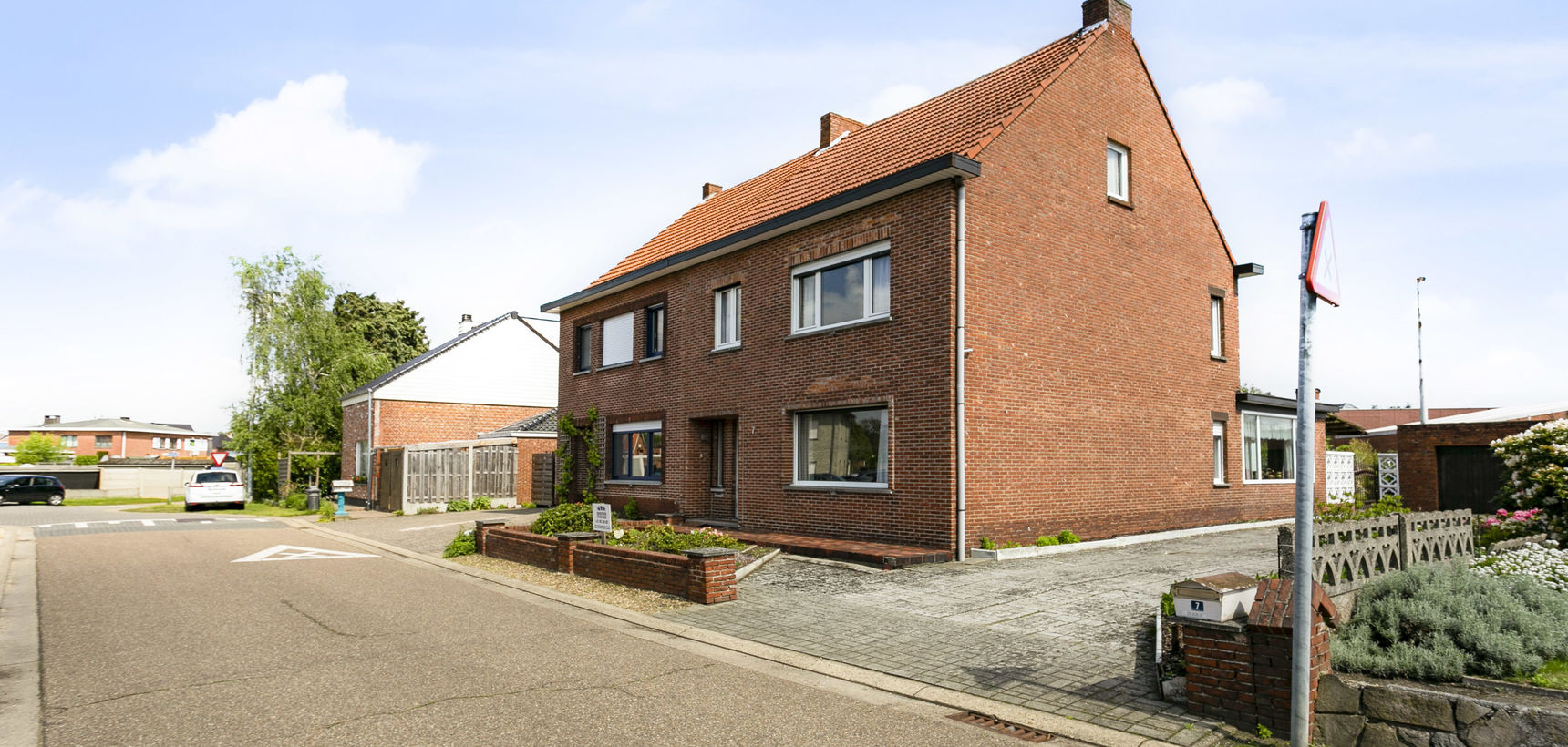 Te renoveren woning op 560 m² tussen Balen en Mol !