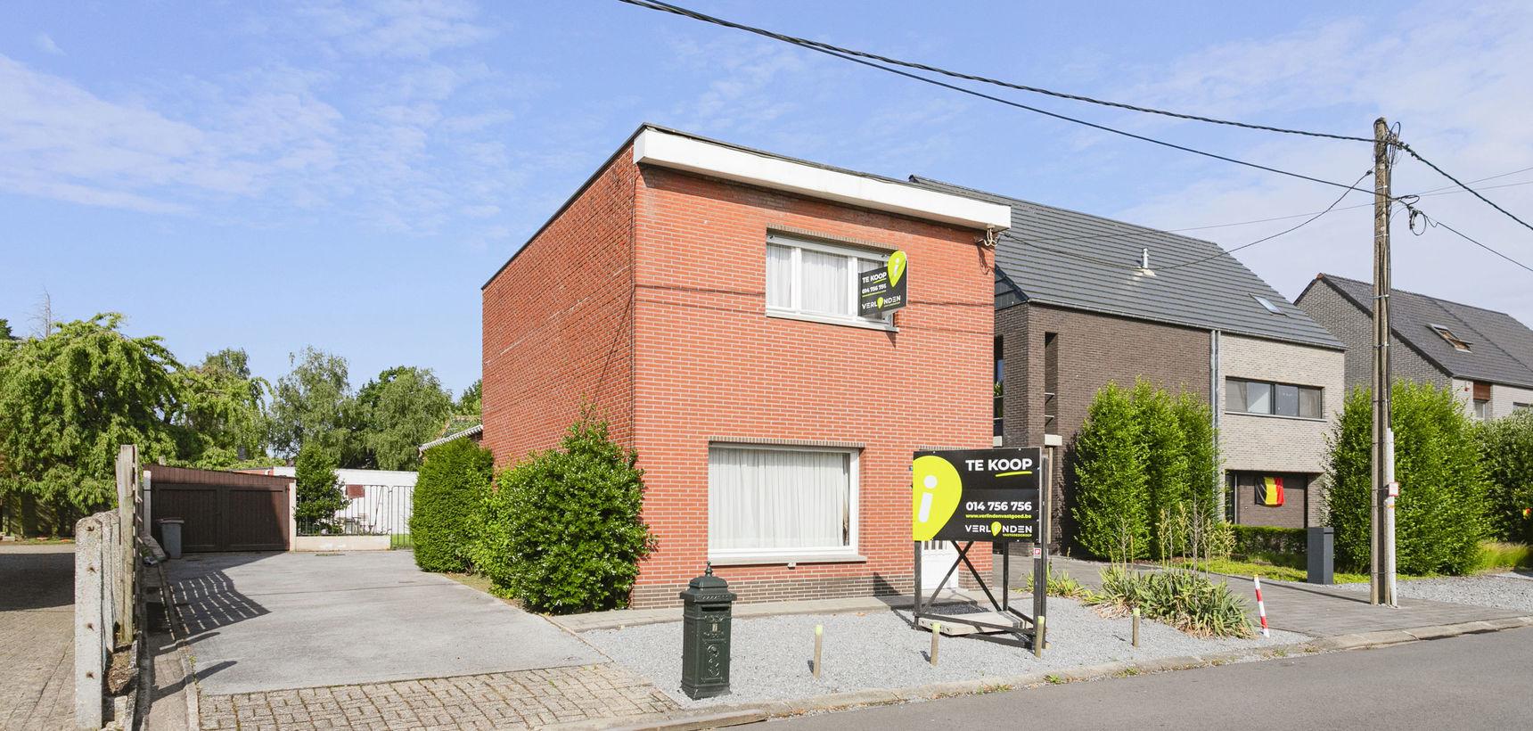 Te renoveren woning met diverse mogelijkheden in Mol - Achterbos !