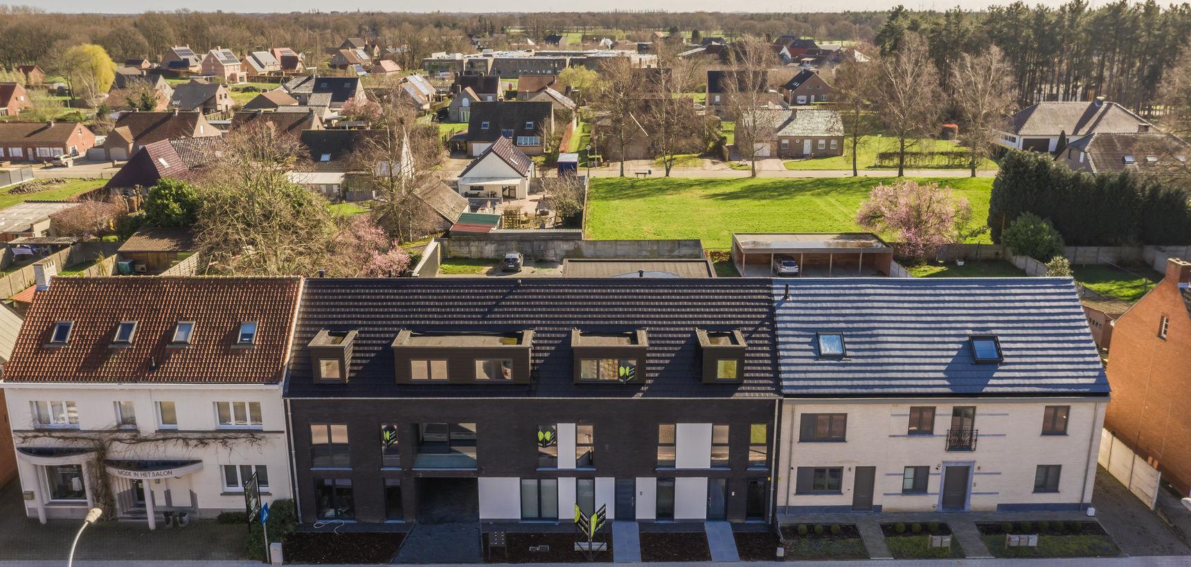 Instapklaar nieuwbouw dakappartement met 2 slpks en riant terras !