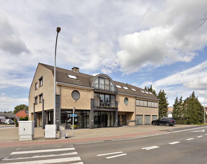Verzorgd appartement van 131 m² met 2 slpks op wandelafstand van Balen-centrum!