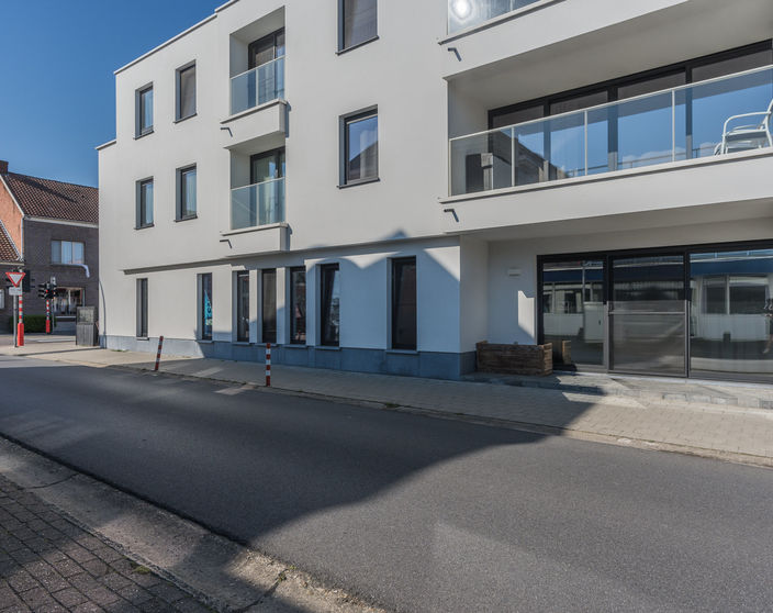 Recent (2016) glvl appartement met 3 slpks  in  OLV Olen !