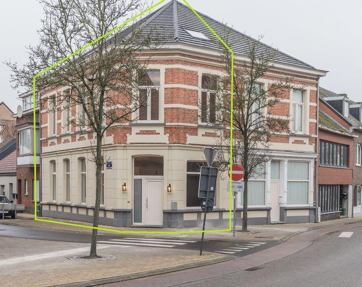 Gerenoveerde woning met 3/4 slpks in het centrum van Balen !