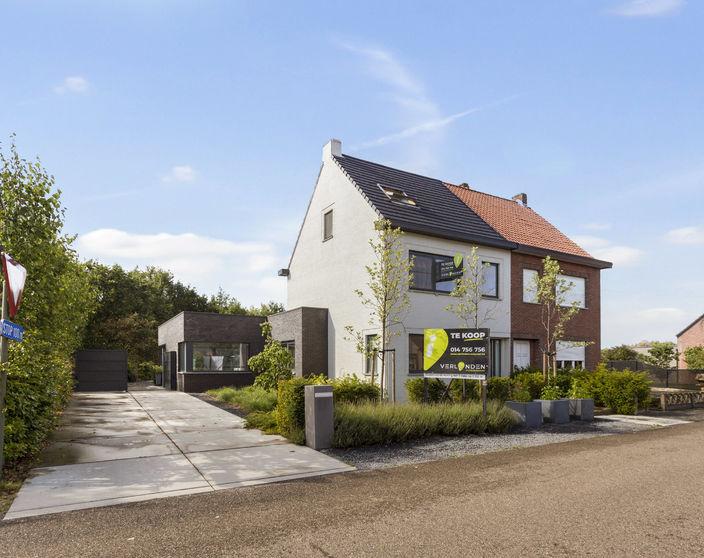 Recent gerenoveerde woning met 3 slpks op 1.155 m²  !