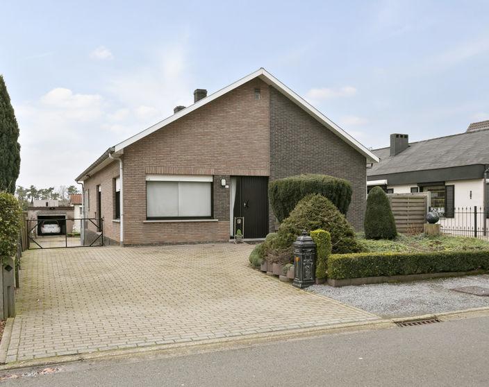IN OPTIE - Goed onderhouden woning met 3 slpks op 690 m²
