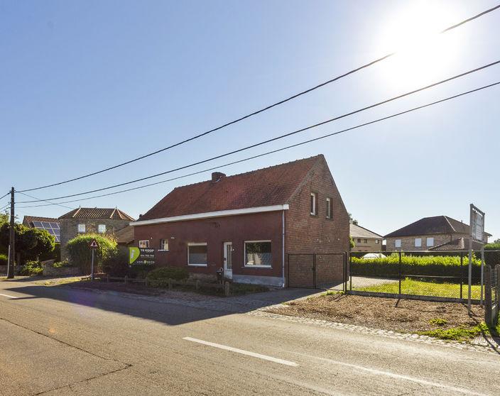 Te renoveren woning op 758 m² nabij het centrum van Geel !