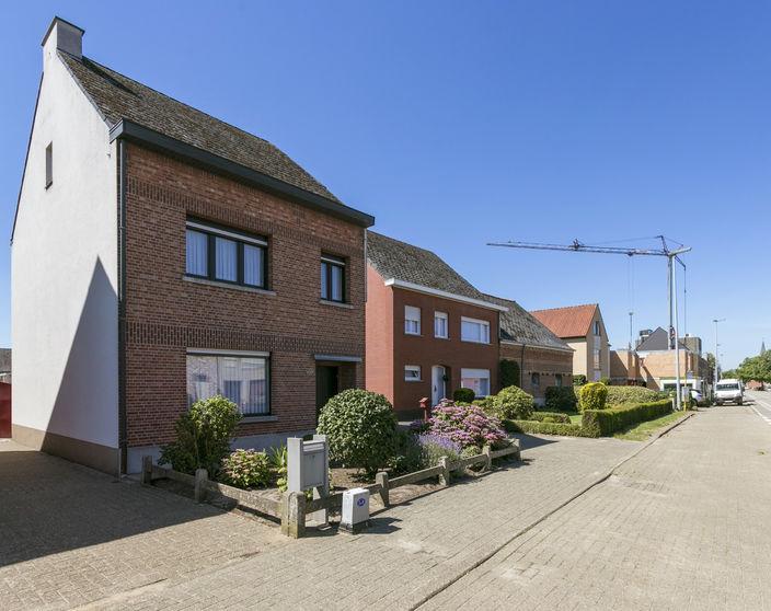Goed onderhouden woning met 3 slpks op 530 m² te Mol - Ezaart !