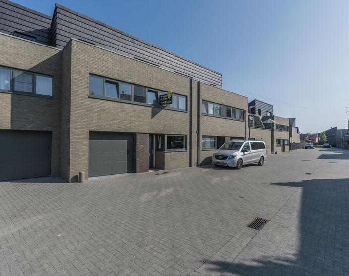 Recente energiezuinige woning met 4 / 5 slpks, rustig gelegen te Ezaart !