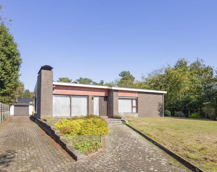 Goed onderhouden woning met 3 slpks op 1.101 m² !