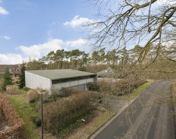 Moderne villa met 4 slpks op 1.287 m² in residentiële wijk !