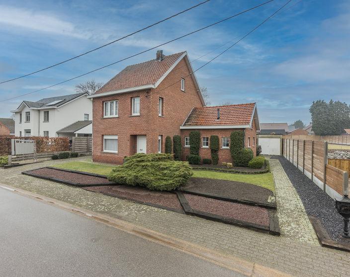 Te renoveren woning op 1.135 m² te Mol - Ezaart !