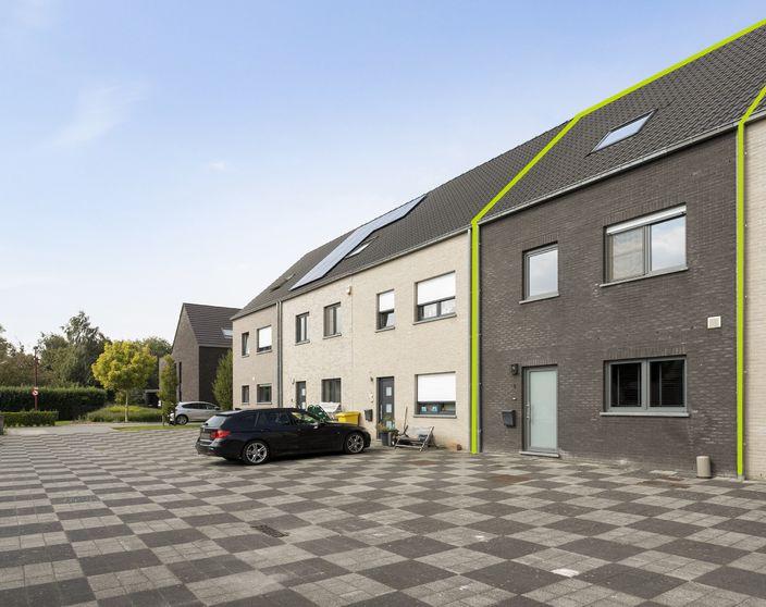 Recente woning met 3 slpks (4de mogelijk) op een rustige locatie te OLV Olen !